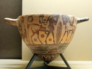Mastos corinthien à figures noires, vers 570-550 avant JC, Paris, musée du Louvre